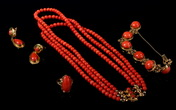 A SET OF RED CORAL JEWELRY