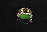 A 18K YELLOW GOLD JADEITE RING WITH DIAMONDS