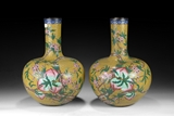 A PAIR OF LARGE CHINESE CLOISONNE ENAMEL