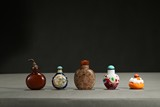 A GROUP OF FIVE VARIOUS SNUFF BOTTLES