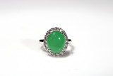 A ICRY APPLE GREEN JADEITE DIAMOND RING