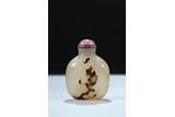 A AGATE CARVED 'DRAGON AND HORSE' SNUFF BOTTLE