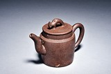 A YIXING CYLINDRICAL TEAPOT
