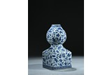 A BLUE AND WHITE 'BATS AND GOURDS' DOUBLE GOURD VASE