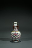 A CHINESE FAMILLE-ROSE VASE WITH BOX
