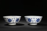 A PAIR OF BLUE AND WHITE 'LOTUS' BOWLS